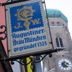 Nürnberger「Bratwurst Glöckl」で 白ビールに焼きソーセージ