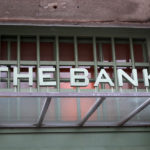 BAR「THE BANK」でヨロッコビールにkilchoman銀行出張所が今も佇む六地蔵